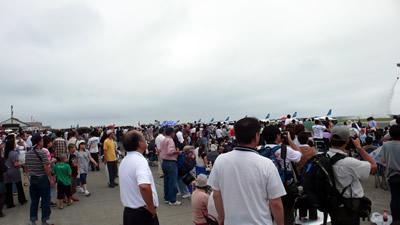 三沢基地航空祭の人垣
