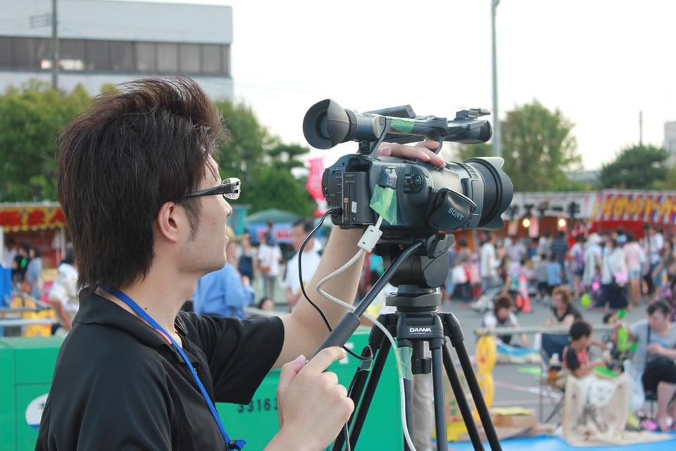 ビデオカメラ調整中