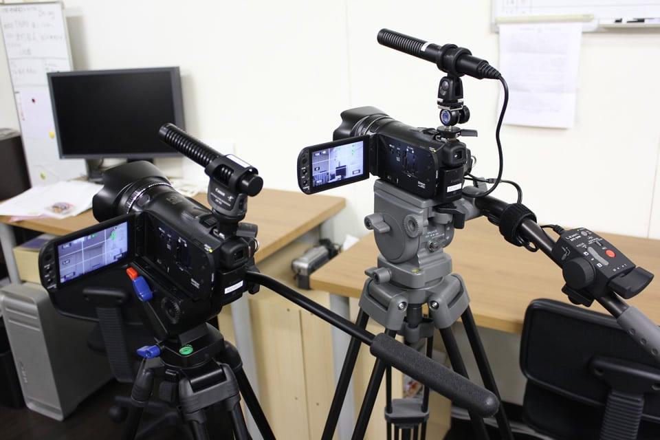 映像制作事業:HDVカメラ、マイク、リモコン、三脚