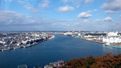 館鼻(舘鼻)公園のグレットタワーみなとから見た八戸市の眺望