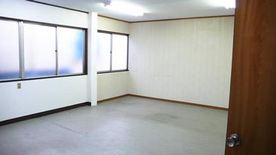 オフィスシェアする事務所の内部写真