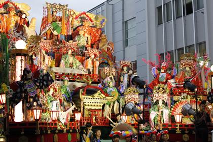 八戸三社大祭の山車